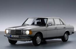 MERCEDES-BENZ седан (W123) 200 (123.020)