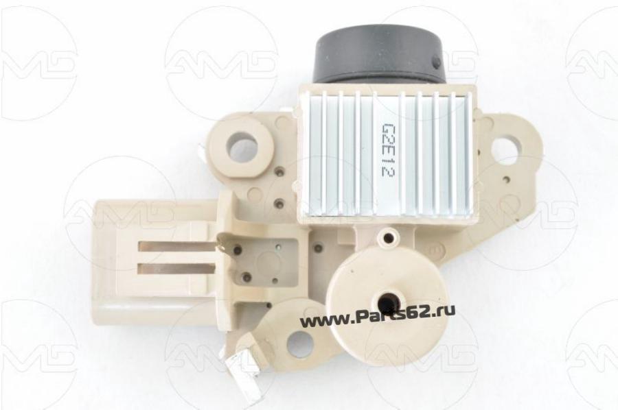 Регулятор напряжения генератора 0K2A2-18W63